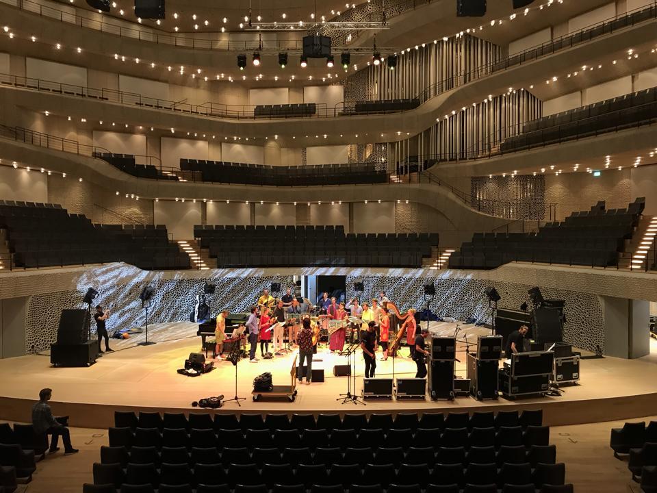 Elbphilharmonie - Andromeda Mega Express Orchestra
